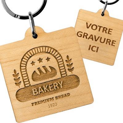 porte-cles publicitaire en bois carré logo boulangerie